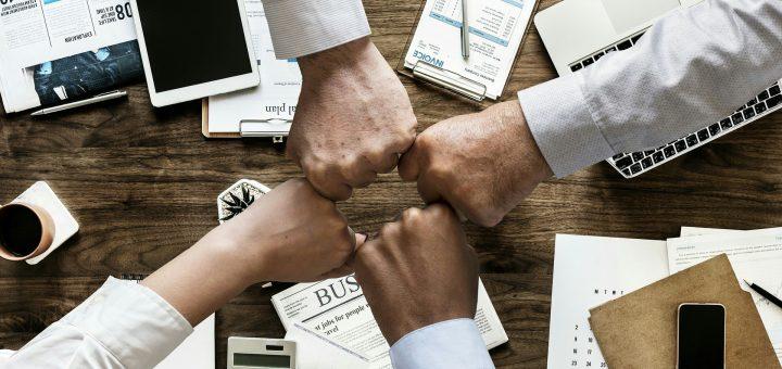 Digital Marketng, business fists